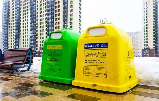 В парке Рассказовка установили контейнеры для раздельного сбора мусора